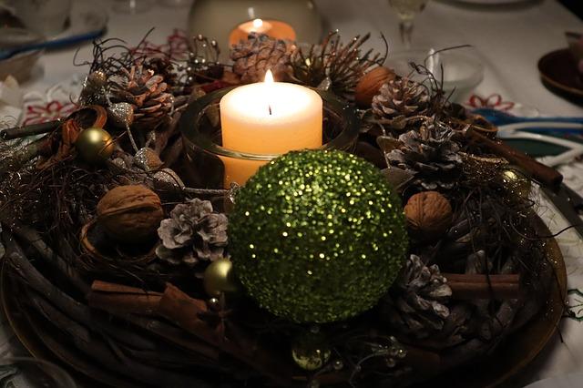 szyszki stroik świąteczny
